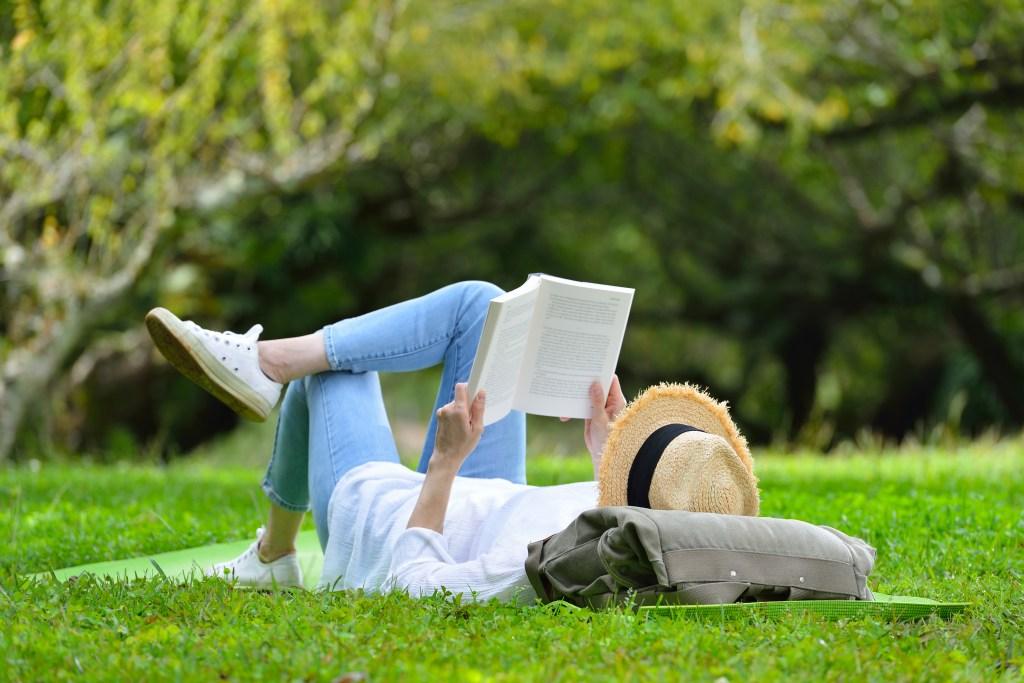 βιβλιο για vegan the china study διαβασμα εξοχη φυση κηπος ερευνες για τη vegan διατροφη vegetarian χορτοφαγια βιβλια στοιχεια υγεια