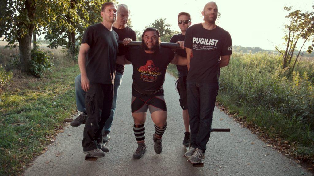 patrik baboumian, strongman, vegan δυναμη, φυτικη πρωτεινη, the game changers, χορτοφαγια, αθλητισμος, υγεια, διατροφη