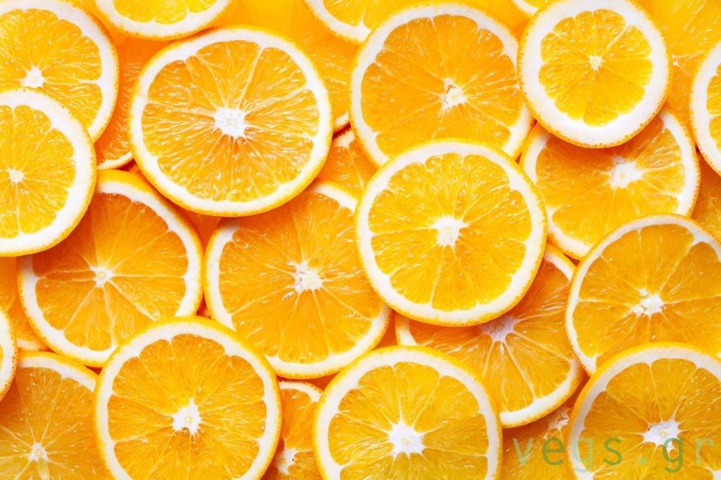 Πορτοκαλια φετες βιταμινη C κρυωμα γριπη κοροναιος ιωσεις εσπεριδοειδη πορτοκαλαδα χυμος υγεια vegan