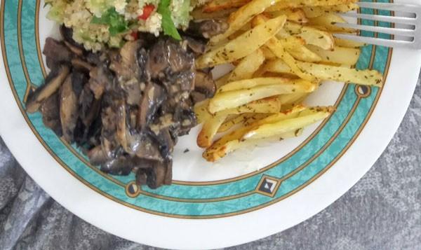τηγανιτες πατατες, στον φουρνο, φουρνιστες, ψητες, συνταγη, vegan, μανιταρια, σαλατα κινοα